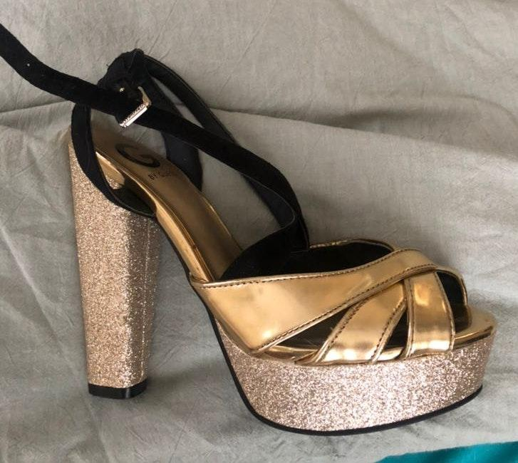 Jessica Simpson Black Sandals | Curtsy