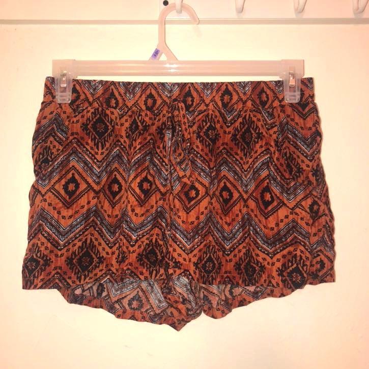 Bebop Burnt Orange And Black Flowy Shorts