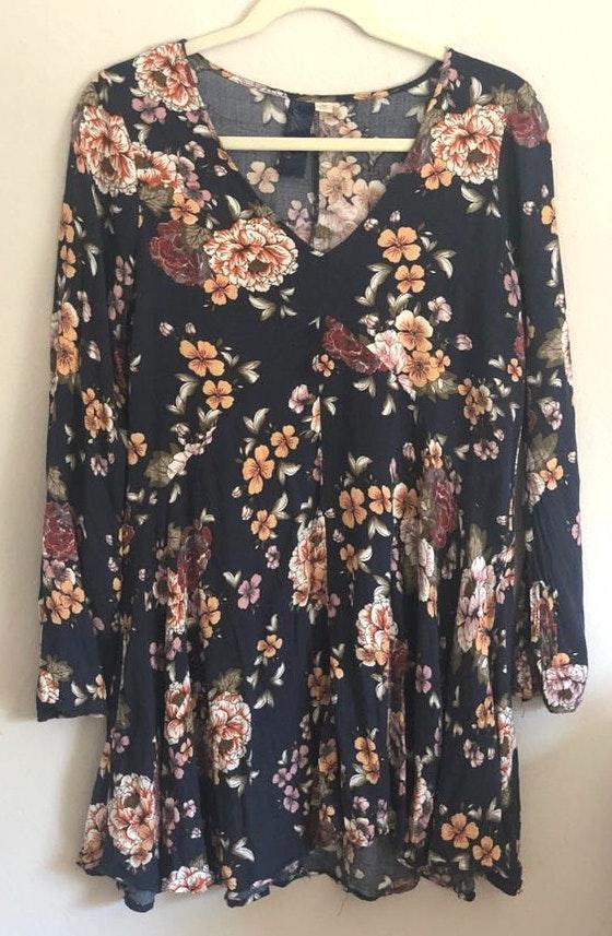 Francesca's Navy Floral Dress M