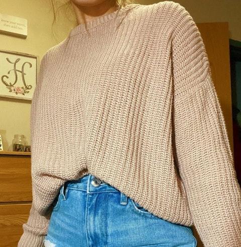 Brandy Melville long sleeve knit sweater