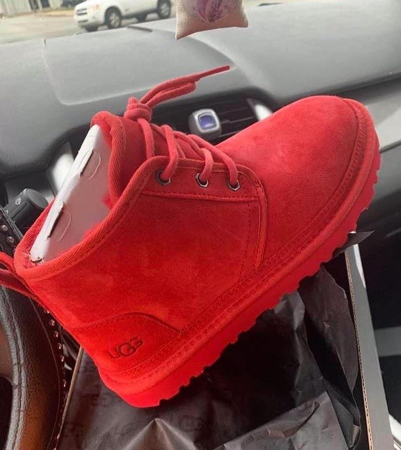 ugg red