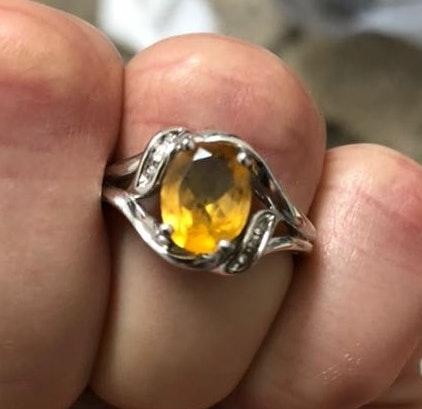 925 Sterling Silver Ring With Yellow Stone A 6 CZ's