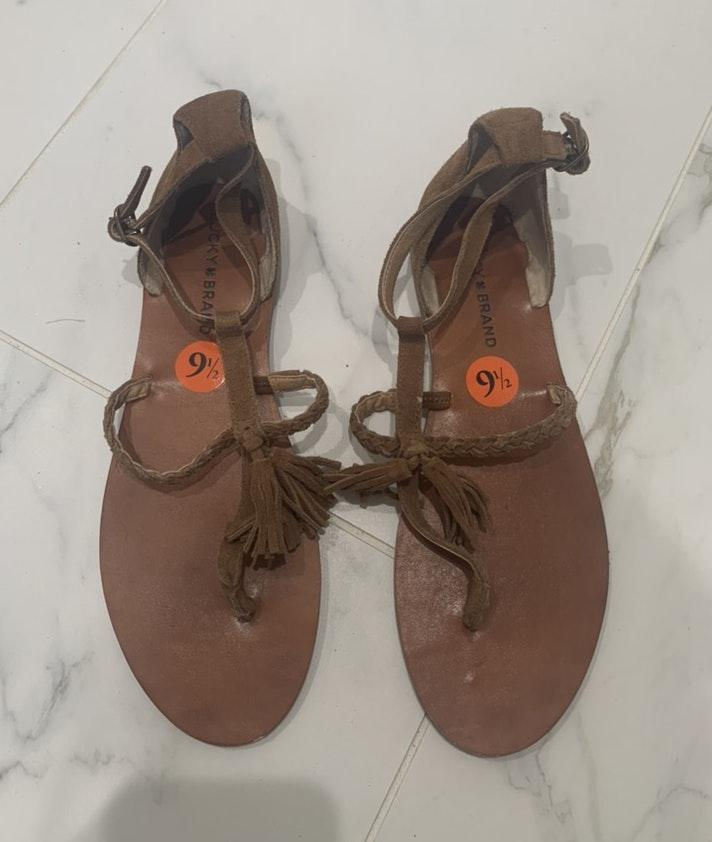 lucky brand suede sandals