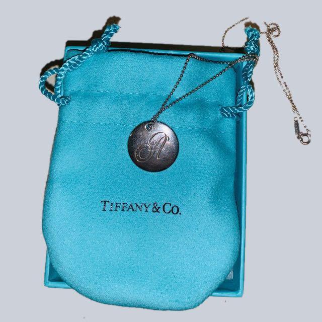 Tiffany & Co. Tiffany Notes Alphabet disc charm pendant
