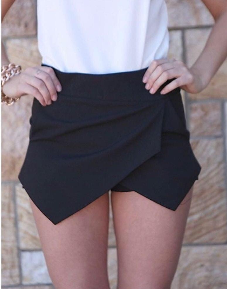 Xenia Boutique Black Asymmetrical Skort