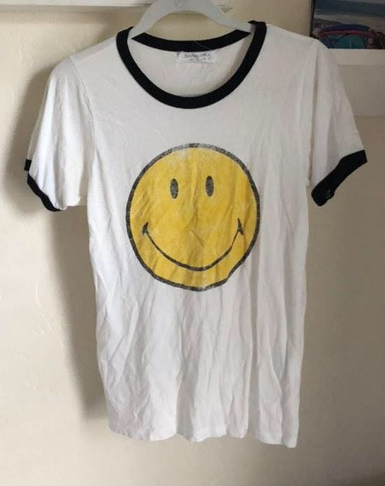 Daydreamer Smiley face tee