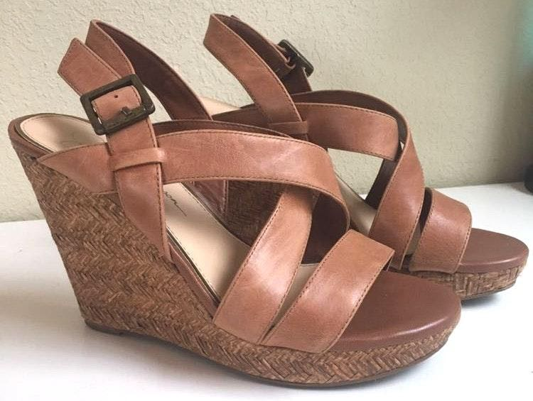 Jessica Simpson Tan Leather Wedge