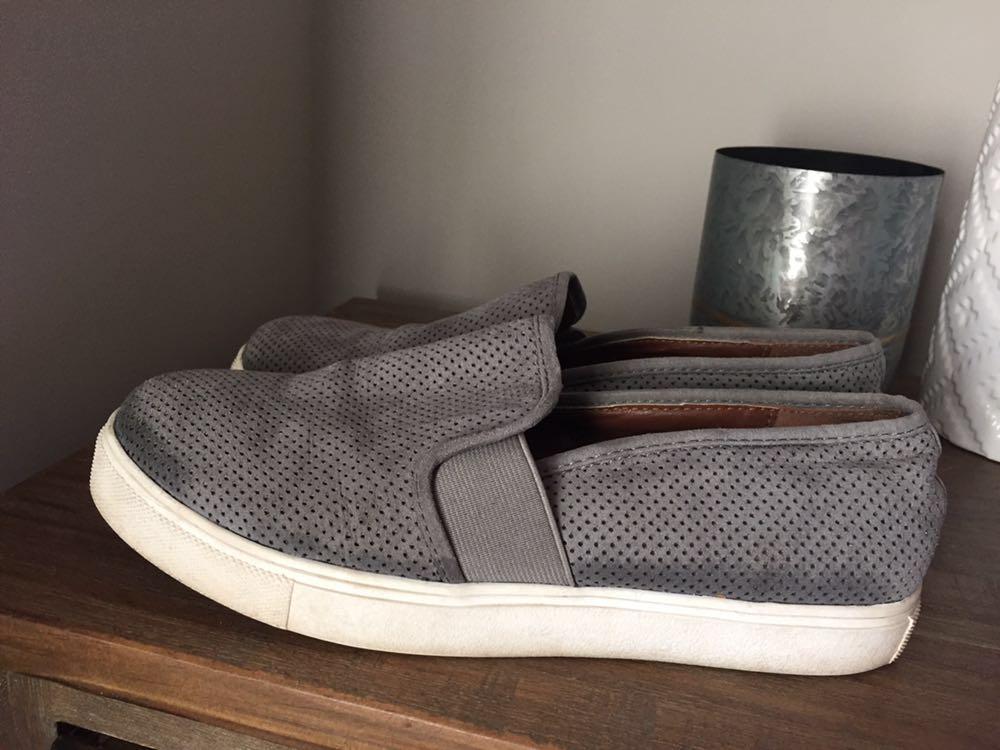 Steve Madden Grey Slides