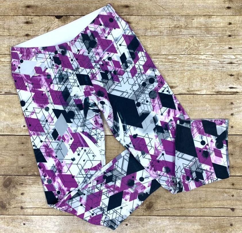 Babalú Geometric One Size Capri Pants