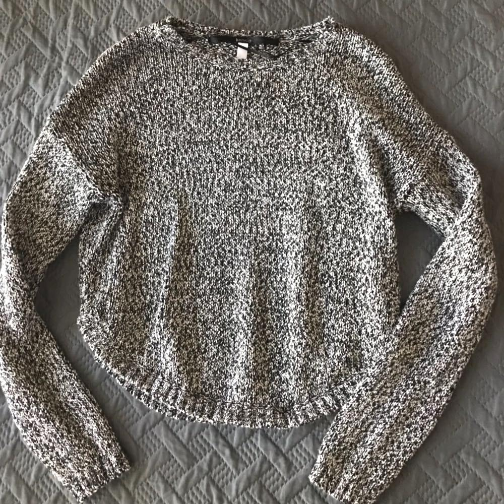 Kensie Cropped Sweater