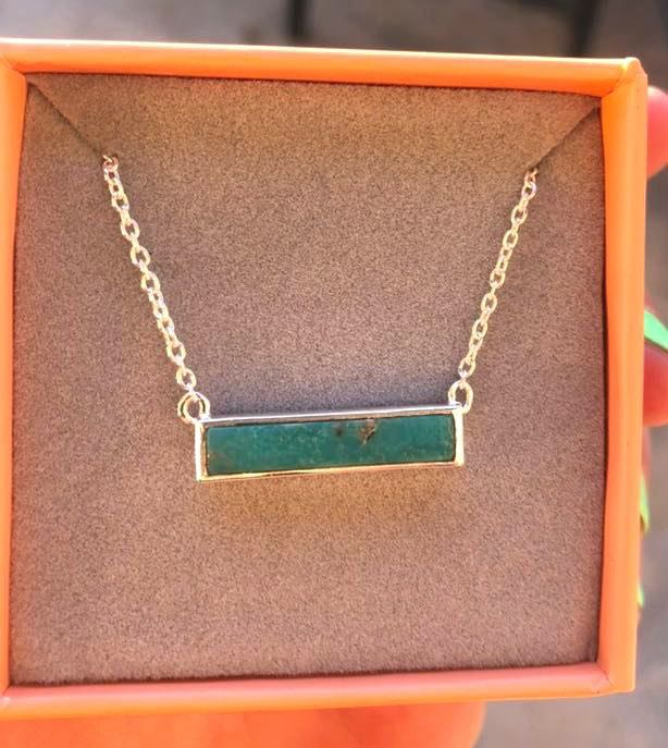 Puravida Turquoise Necklace With Box