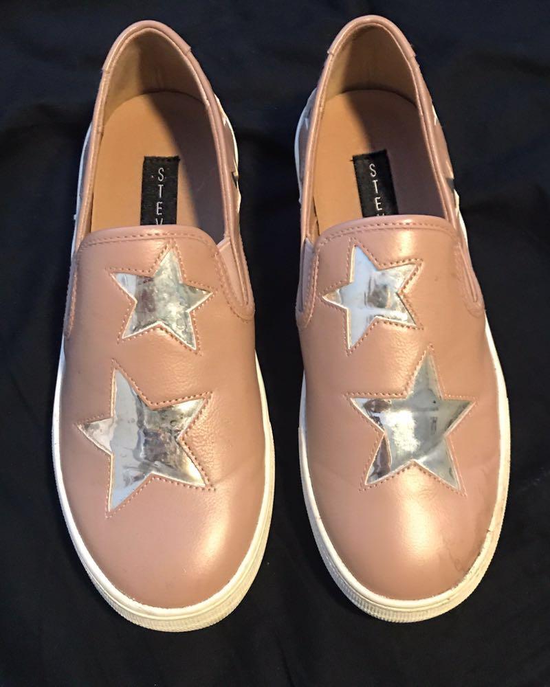 Steve Madden Light pink and silver star slip one