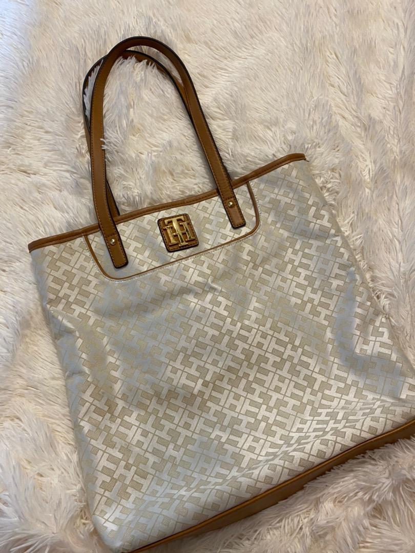 tommy hilfiger navy purse