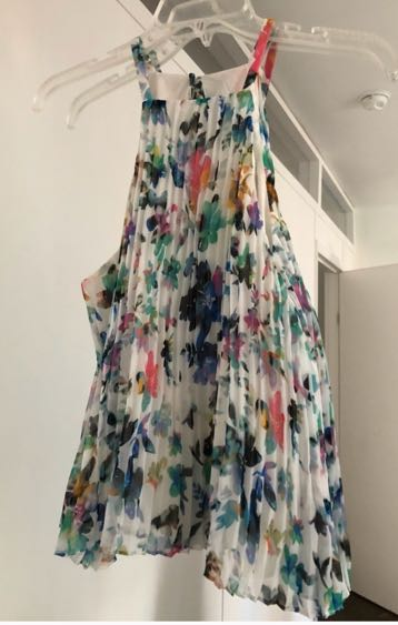 Likely floral pleated top