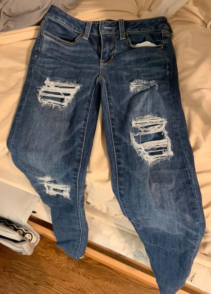 American Eagle Outfitters Distressed Super Super Stretch Skinny Jeans