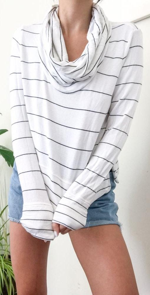 Lou & grey Super Soft Cowl Neck Semi Crop Pullover Sweater