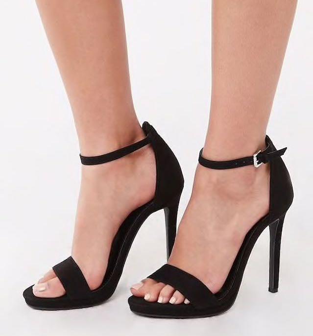 Forever 21 Black Heels   Curtsy