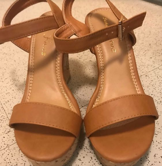 Amazon Brown Wedges