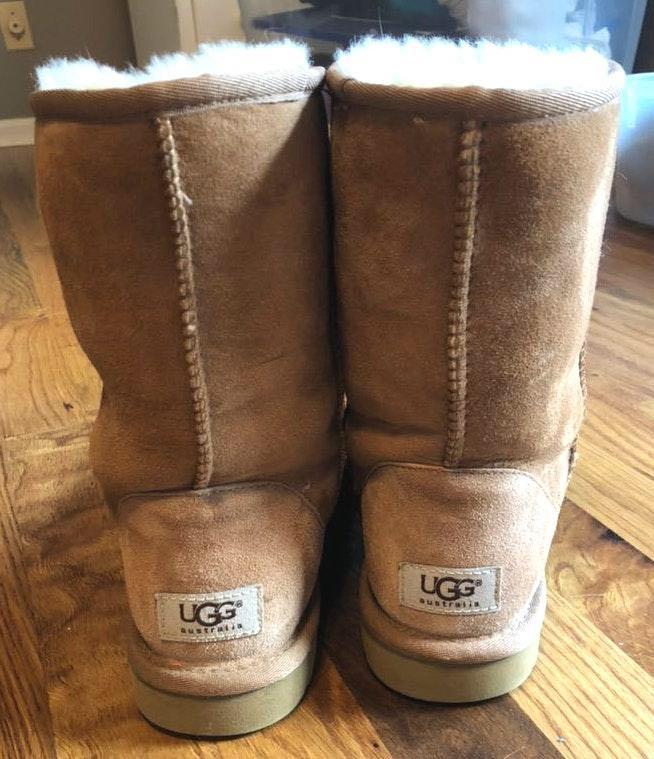 UGG Medium Height  Boots