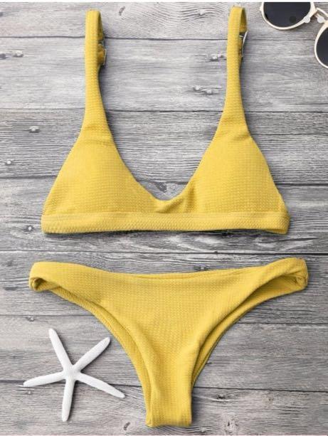 Super cute yellow bikini!