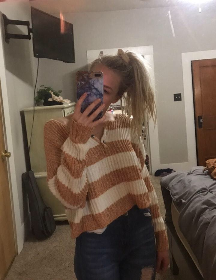 American Eagle Outfitters sweater top